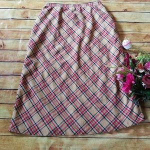 🌹New Listing 🌹Tan & Red Plaid Skirt,  Size 16